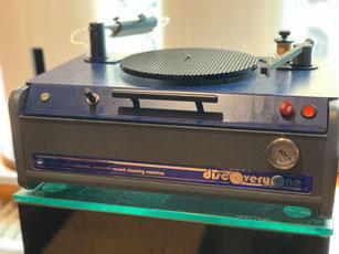 BBC Schallplatten Reinigungsmaschine.jpg
